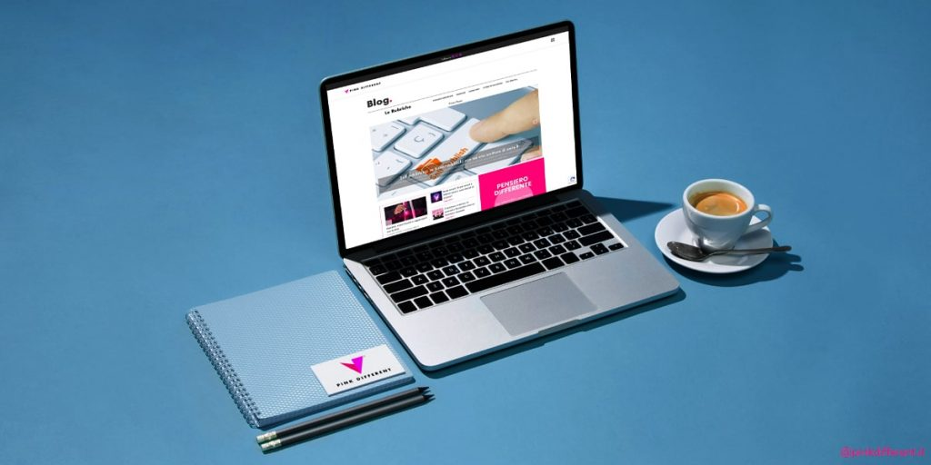 BUSINESS-BLOGGING-blog-marketing-pink-different