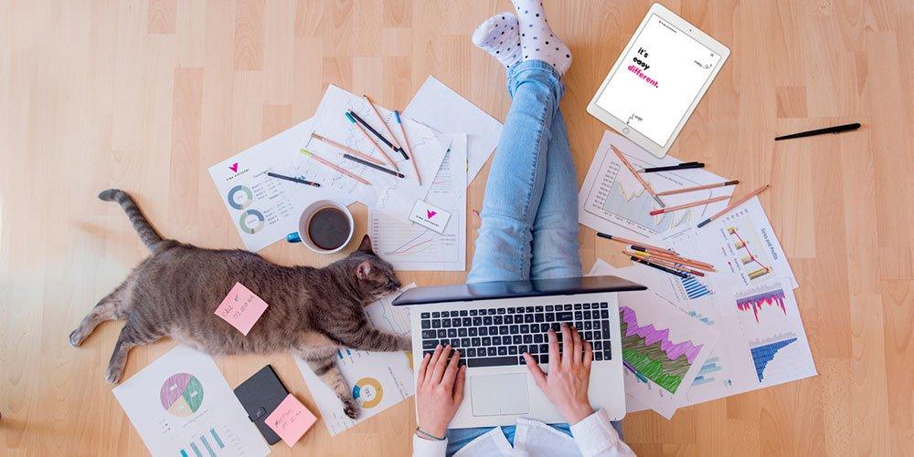 CHE-COS'È-IL-SOCIAL-MEDIA-MARKETING_business