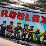 Roblox-blog-pink-pill-pink-different